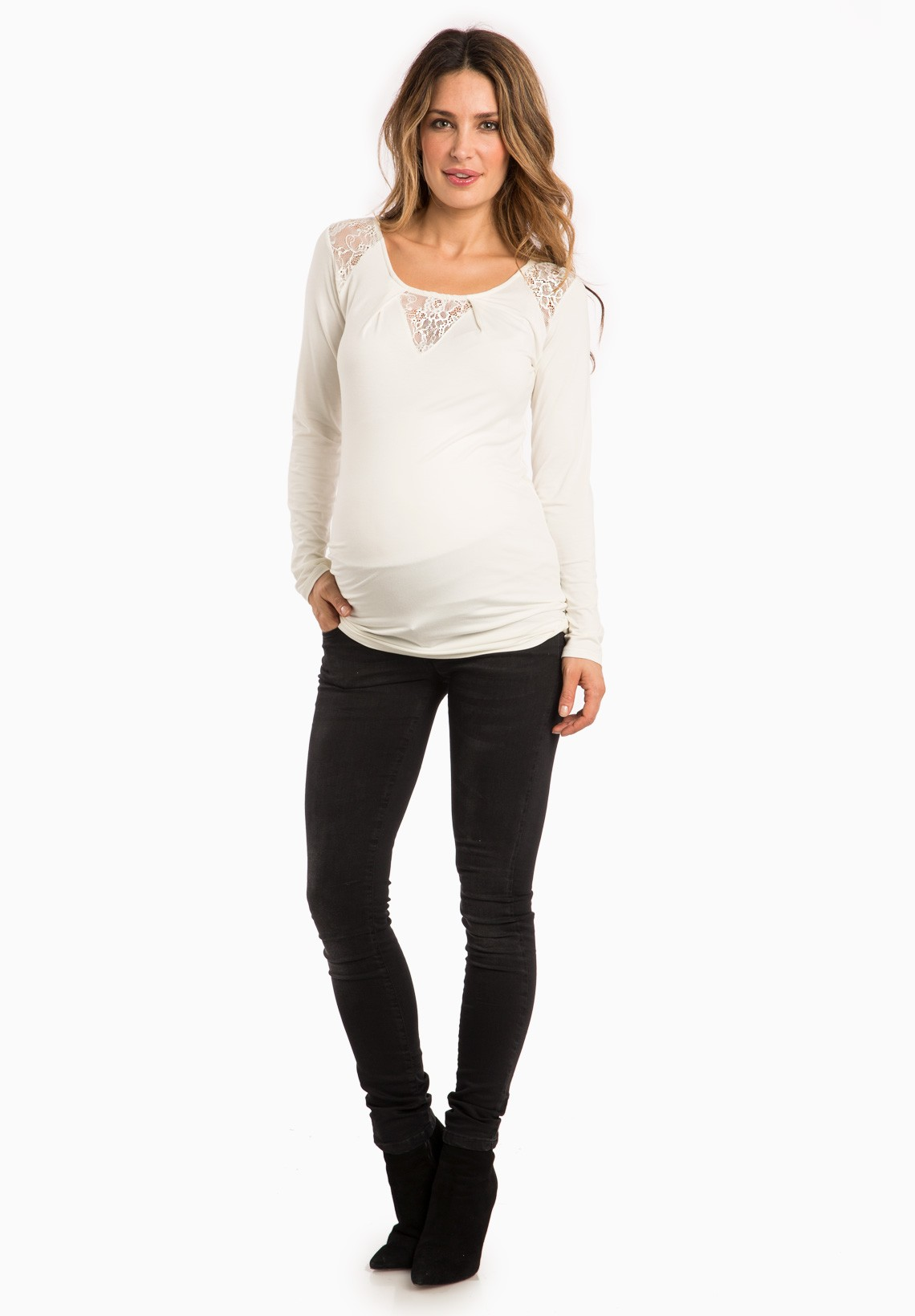 Rent stylish maternity clothes from Le Tote today! We carry top maternity fashion brands so that you can stay with the latest trends and rock that baby bump. Plus, we'll make your life easier and worry about the dirty laundry for you.