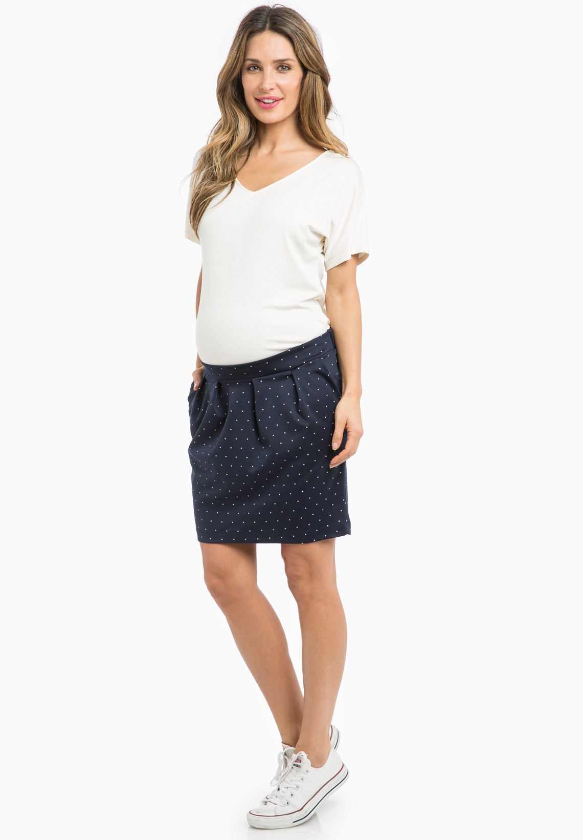 Maternity Clothing Mums-to-be don't need to scrimp on style with our Maternity clothing. From essential wardrobe basics, comfy underwear and bump-friendly jeans, we've.