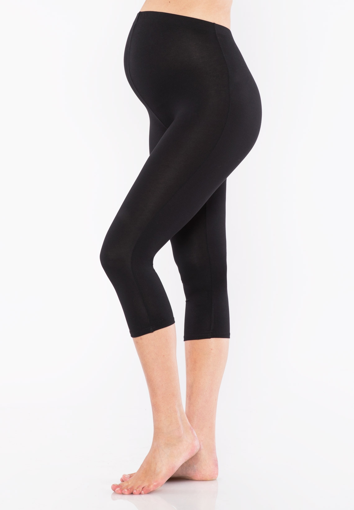 Our wide selection of maternity leggings are comfortable and stylish. Wear them during your pregnancy for a casual and chic look. Destination Maternity.